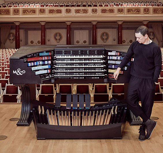 Cameron Carpenter, Organ
